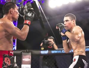 Oberdan e Lucas Mineio, Jungle Fight (Foto: Daniel Vorley / Agência Estado)