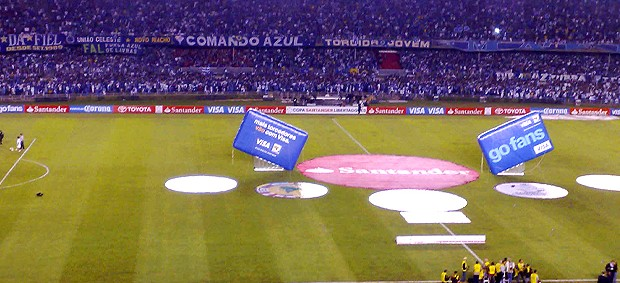 torcida do Cruzeiro, final libertadores 2009 (Foto: Reprodução / Globoesporte.com)