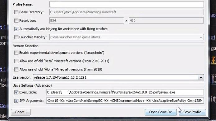 No launcher do Minecraft, escolha a versão do Forge que você instalou e aperte Save (Foto: Reprodução/Youtube)