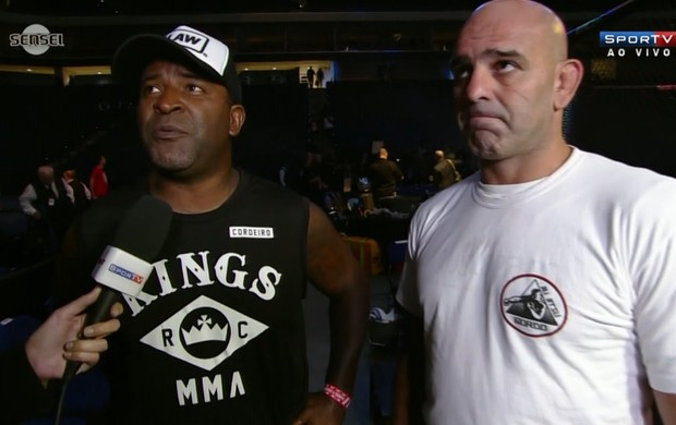 Treinadores de Rafael dos Anjos esperam agora por uma luta pelo título (Foto: Reprodução SporTV)