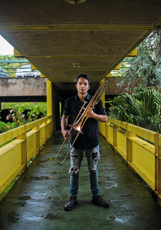 Jesus Alberto Guerrero Lugo,21 anos ,trompetista em Caracas ,integrante do Sistema  de Orquestras Nacional Juvenis e Infantis (Foto:  Manaure Quintero/ÉPOCA)