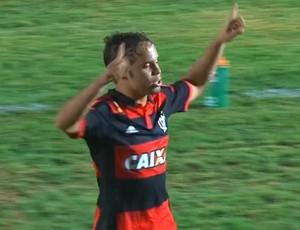 Douglas Baggio  comemora gol do Flamengo contra o Sampaio Correa, Copinha (Foto: Reprodução )