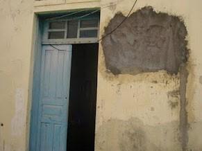 Moradores denunciam condições precárias de carceragem (Foto:LuizPedro/Itambeagora)