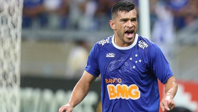 Samudio gol Cruzeiro (Foto: Cristiane Mattos / Ag. Estado)