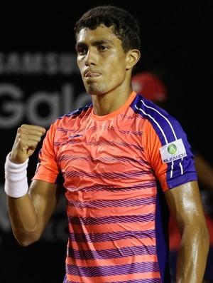 Thiago Monteiro vence Thomaz Bellucci pelo Rio Open (Foto: Divulgação/Fotojump)
