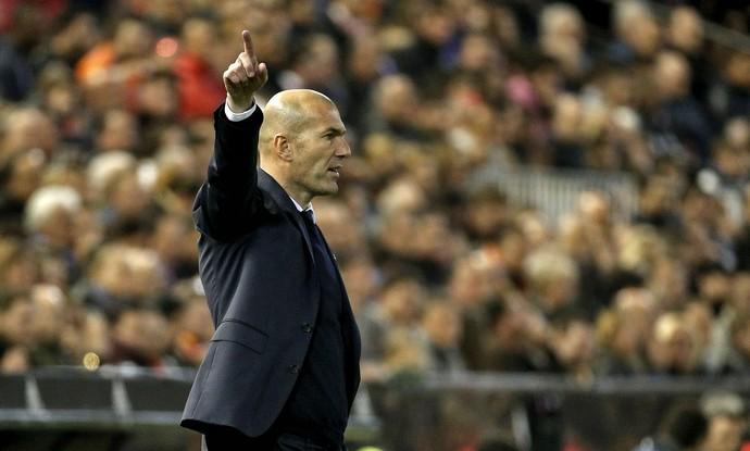 Zidane Valencia x Real Madrid (Foto: EFE)