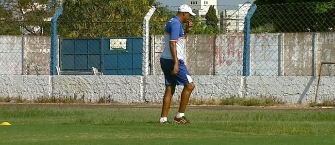 Buião, técnico do Rio Claro (Foto: Ely Venancio/EPTV)