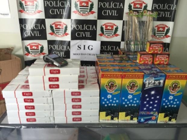 Polícia apreendeu maisde 9 mil cigarros contrabandeados no Alto Tietê e prendeu 15 (Foto: Secretaria Estadual de Segurança Pública/Divulgação)