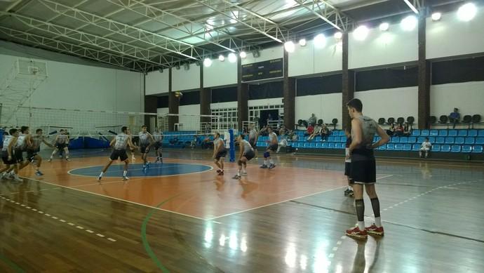 treino vôlei Juiz de Fora 7 (Foto: Roberta Oliveira)