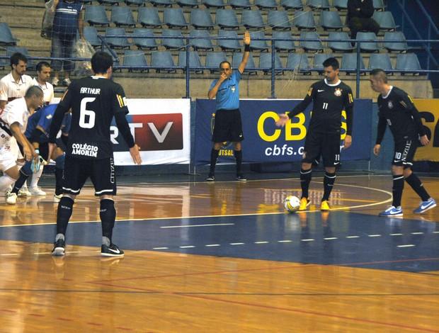 Liga Futsal: Corinthians vence São Paulo e dispara na ponta