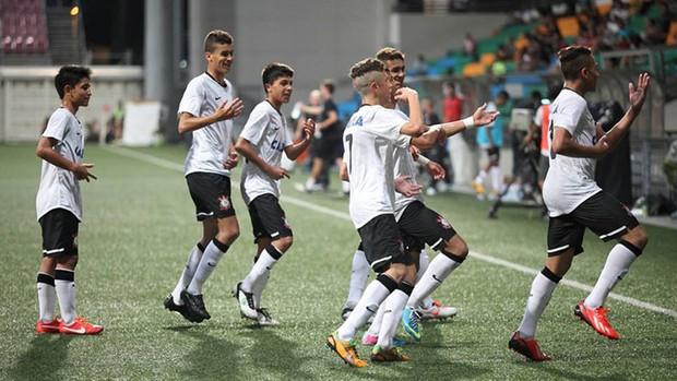 Corinthians sub-15 campeão Copa Lion City Cup (Foto: Divulgação / Corinthians)