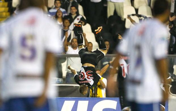 Marlone comemora gol do Vasco contra o Nacional-AM (Foto: Guito Moreto / Agência o Globo)