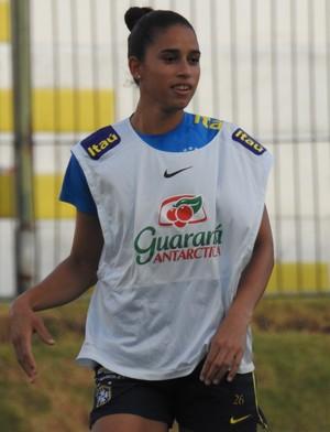 Rafaelle durante o treino da seleção brasileira (Foto: Cíntia Barlem)