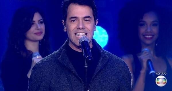 Claudio Lins enfrentou sinusite e teve ajuda de fonoaudióloga durante a atração: ele estará na final do Popstar (Foto: Reprodução/ TV Globo)
