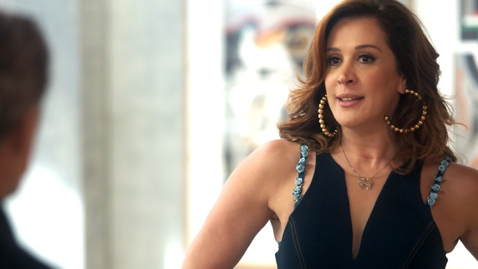 Salete pede empréstimo a Tião (Foto: TV Globo)