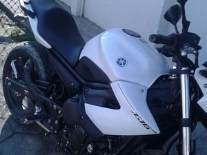 Quatro são detidos com moto roubada em Tremembé, SP (Foto: Divulgação/ Polícia Militar)