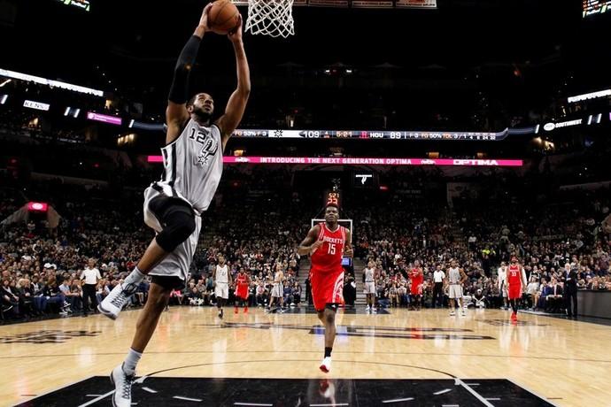 LaMarcus Aldridge Spurs x Rockets NBA (Foto: Reuters)