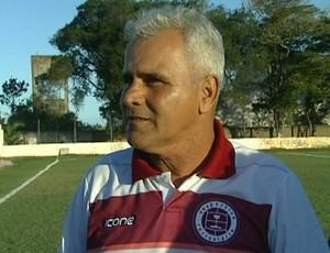 Vevé, técnico da Desportiva Ferroviária (Foto: Reprodução/TV Gazeta Sul)