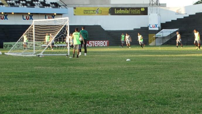 central 26/03 treino (Foto: Lafaete Vaz / GloboEsporte.com)