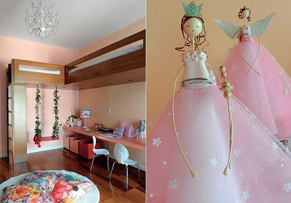 """Tinta Suvinil tinge as paredes, uma de rosa e outra de salmão. É nesse """"L"""" que a marcenaria fica encostada. Bichinhos e bonecas são da Ri-Pô-Pi. coloridas, as três caixas sob o pranchão são boas para guardar tranqueiras.  À dir., as fadas, sobre a bancada (Foto: Marcelo Magnani)"""