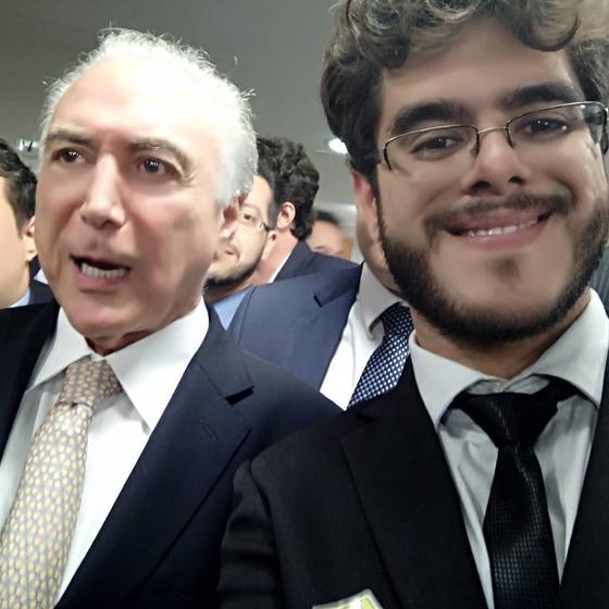 Michel Temer e Helber Augusto Reis Borges, em foto postada em rede social (Foto: Reprodução)