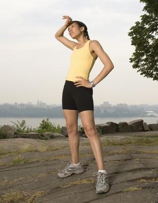 Mulher correndo dor euatleta lesão (Foto: Getty Images)