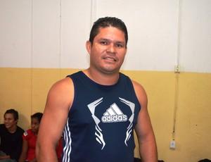 Joziel Costa, técnico da delegação amapense de luta olímpica 2013 (Foto: Wellington Costa/GE-AP)