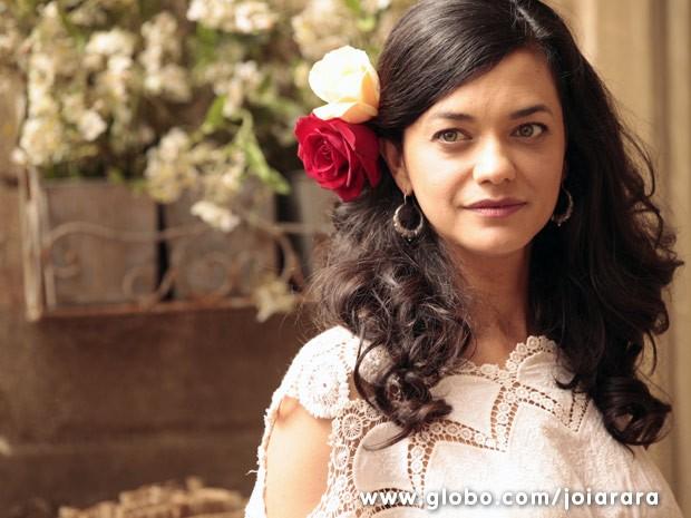Ana Cecília Costa vai interepretar Gaia, militante comunista e mulher de Toni (Foto: Joia Rara / Tv Globo)