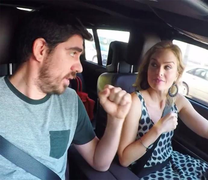Adnet imita vozes famosas para Angélica (Foto: TV Globo)