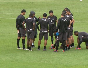 Z&#233; S&#233;rgio comanda treino da Ponte Preta (Foto: Carlos Velardi/ EPTV)