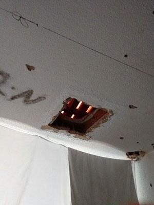 Buraco foi achado em teto de cela do Pavilhão 2 de Alcaçuz (Foto: Divulgação/GOE)