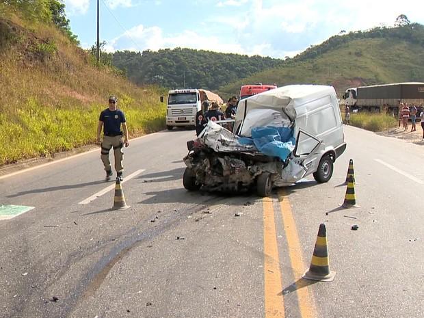 6552f182675 Homem morre em acidente na BR-040 próximo a Santos Dumont (Foto  Reprodução