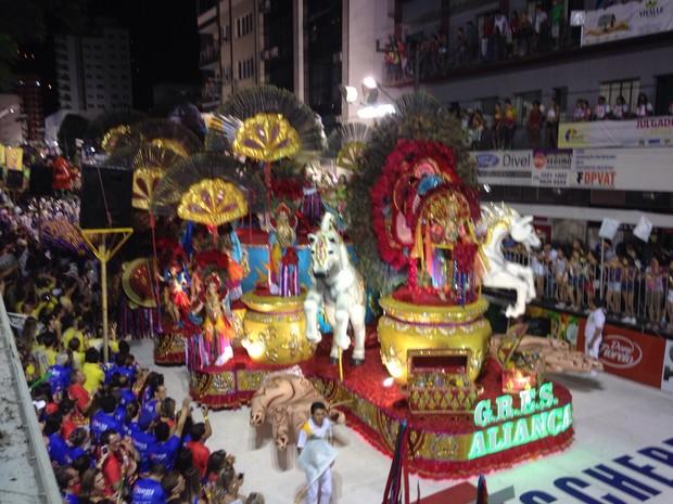 Aliança, carnaval Joaçaba (Foto: Lucas Neves/RBS TV)