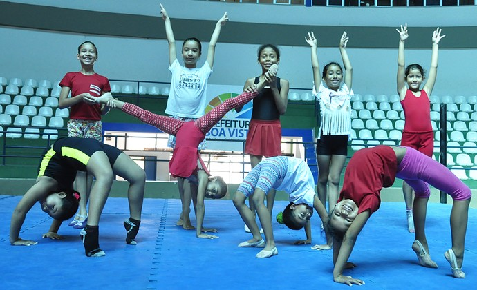 Meninas treinam para competição que reunira 192 ginastas de oito clubes roraimenses (Foto: Divulgação/SEMUC)