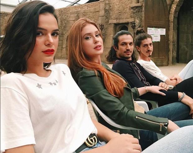 Bruna Marquezine, Marina Ruy Barbosa, Rômulo Estrela e Johnny Massaro (Foto: Reprodução/Instagram)