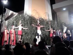 encenação Paixão Cristo Sexta-Feira Semana Santa Santo Antônio do Monte MG (Foto: Marina Alves/G1)