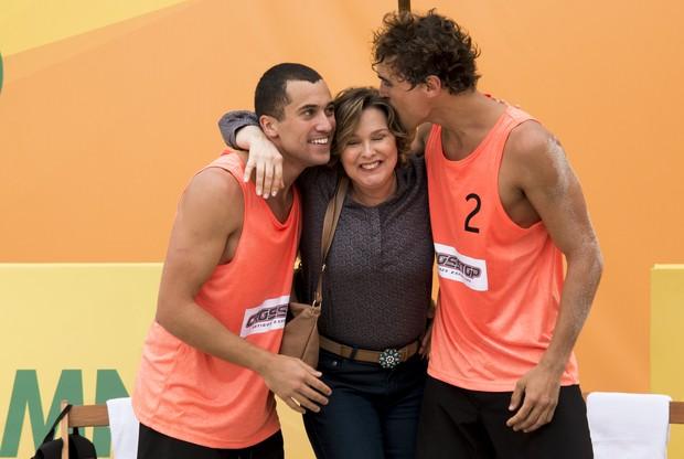 Ricardo Vianna, Louise Cardoso e Felipe Roque na nova fase de Malhação (Foto: Globo/Cesar Alves)