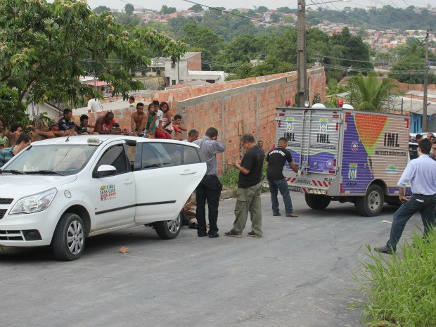 Crime ocorreu no começo da manhã deste sábado (Foto: Adneison Severiano/G1 AM)