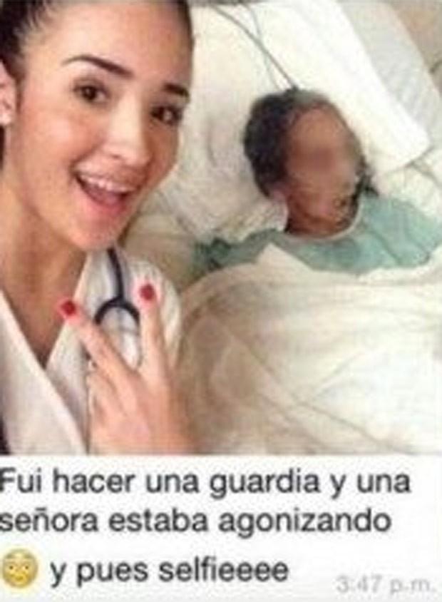 Estudante de medicina provocou polêmica ao fazer selfie com mulher doente (Foto: Reprodução/Facebook)