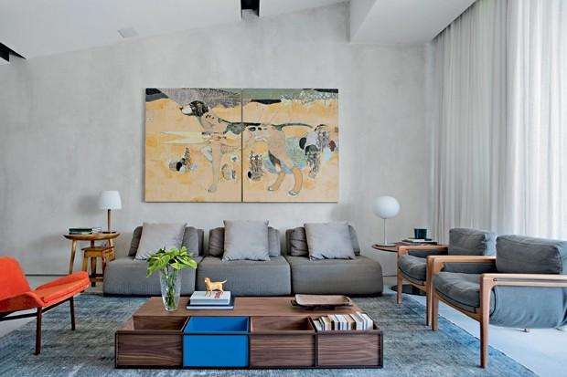 Living. Acima do sofá da Artefacto, na parede com pintura artística de Stephane Javelle, fica a tela de Daniel Bilac, na Celma Albuquerque Galeria de Arte. Cortinas de linho da Orlean (Foto: Denilson Machado / MCA Estúdio / Divulgação)
