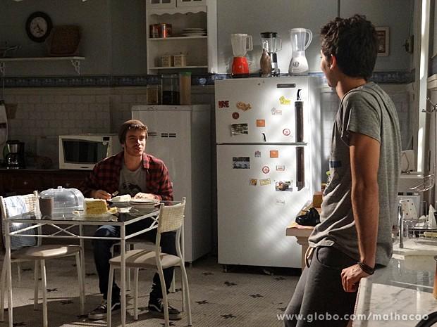 Sidney se abre com Ben e fala a gata que não sai de sua cabeça (Foto: Malhação / TV Globo)