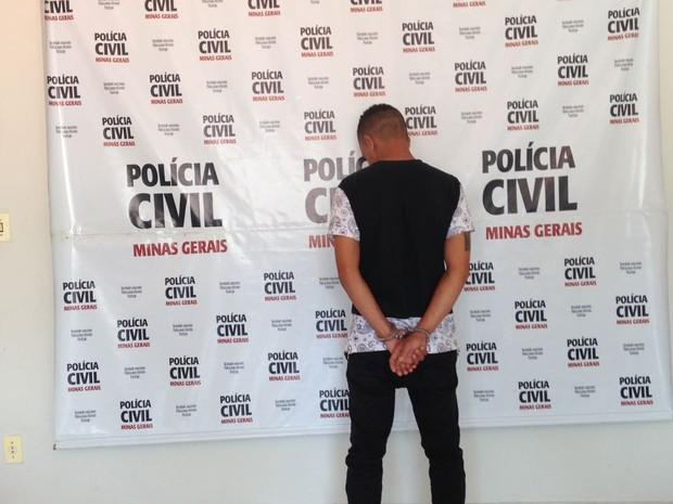Autor detido e apresentado pela Polícia Civil (Foto: Polícia Civil/Divulgação)