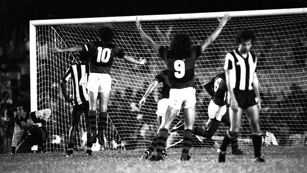 Andrade gol Flamengo Botafogo Centenário (Foto: J. Marinho / Arquivo Agência O Globo)