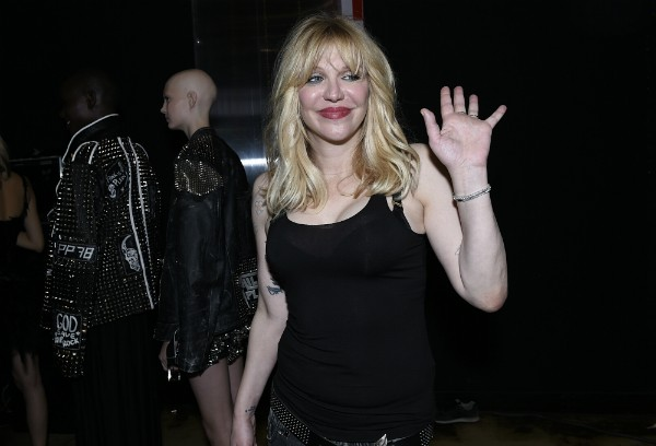 A cantora Courtney Love foi presa fora dos Estados Unidos (Foto: Getty Images)