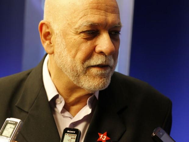 Candidato Oswaldo Barba (PT) comenta sua atuação no debate (Foto: Fabio Rodrigues/G1)