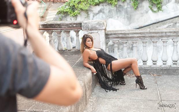 Making of Nana Magalhães, a mulher de Tiririca, para o Paparazzo (Foto: Anderson Barros / Ego)