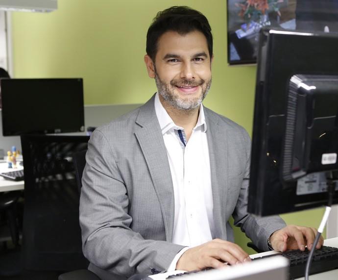Dr. Fernando respondeu perguntas sobre ansiedade e técnicas de relaxamento (Foto: Ellen Soares/Gshow)