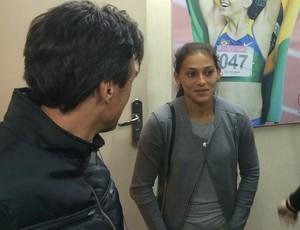 Ana Cláudia esteve presente no julgamento e optou por não falar com a imprensa (Foto: Guilherme Costa)