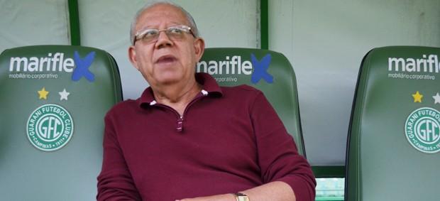 João Serapião, psicólogo do Guarani (Foto: Bernardo Medeiros / Globoesporte.com)
