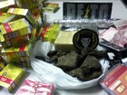 Polícia prende jovem de 21 anos com 56 caixas de remédio e droga na BA